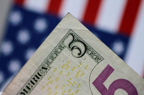 Dollar Up, Hopes of Fed Monetary Stimulus Rise