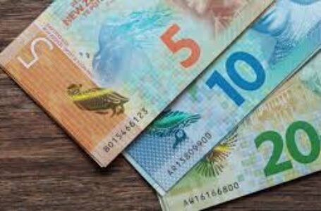 NZD/USD climbs further beyond mid-0.7200s, fresh 33-month tops