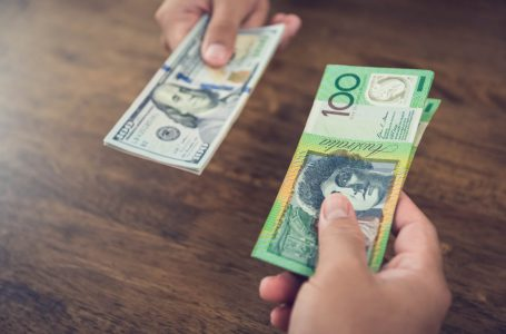 AUD/USD Price Analysis: Pennant breakout, bullish crossover on 1H chart point to more gains