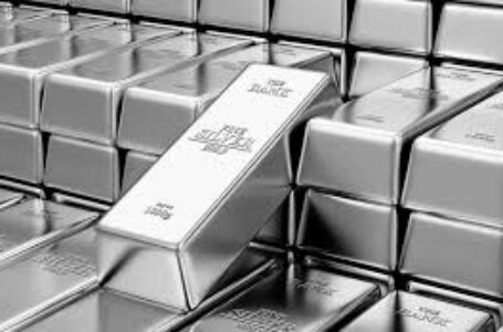 Silver Price Analysis: XAG/USD keeps bounce off three-month-old support line above $26.00