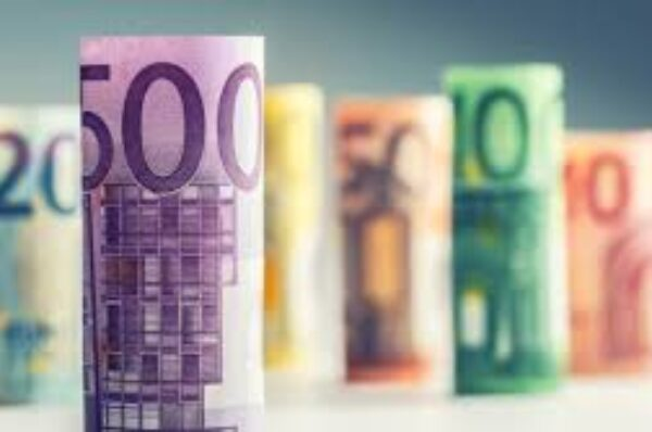 EUR/USD extends gains to two-month highs above 1.2150