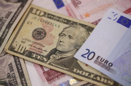 EUR/USD remains vulnerable near two-week lows, Eurozone PMIs awaited