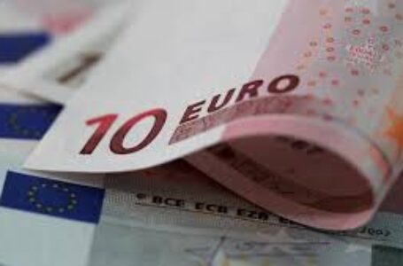 EUR/USD settles in the low 1.1900s, set for worst week since October