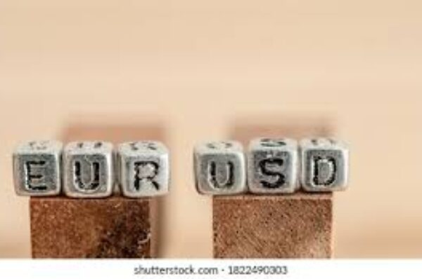 EUR/USD climbs to 3-month highs beyond 1.2200