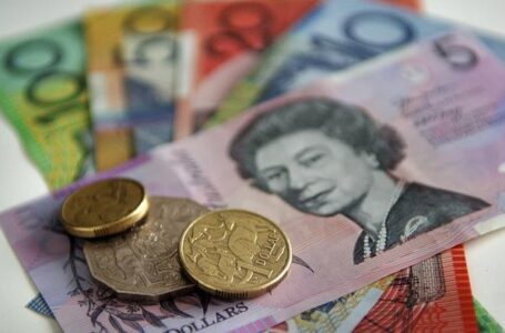 AUD/USD bounces off weekly lows, still deep in the red around 0.7810-15 region