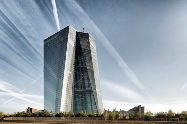 ECB pushes banks to boost their post-Brexit operations – FT